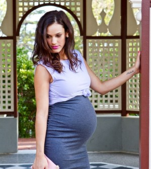 932119a144 Těhotenská móda  i nastávající maminky mohou být IN. 13.11.2015.  e9de3f68080a7edbbe800e1c292a02cc. Foto  pinterest.com